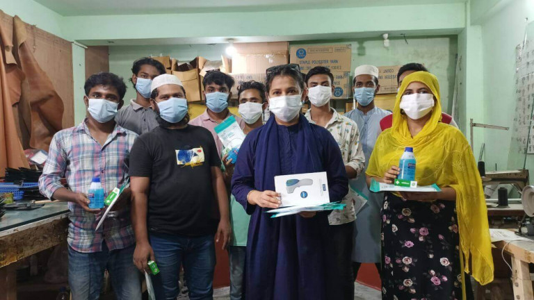 Oikko-Health-distributes-personal-protective-equipment-and-safety-material-to-CMSME-workers